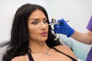 intraceuticals cu medic dermatolog la clinica yiara clinica de dermatologie estetica